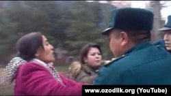 9 январ куни аёллар Ўзбекистон президенти қабулини талаб қилиб, халқ қабулхонаси олдига тўпланишганди.