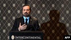 Представитель делегации сирийской оппозиции в Женеве Луэ ас-Сафи