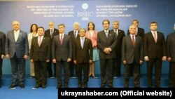 Учасники саміту ради глав МЗС ОЧЕС. Стамбул, 29 червня 2017 року