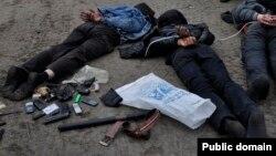 Тұтқындалған ресейшіл белсенділер. Славянск, 2 мамыр 2014 жыл.