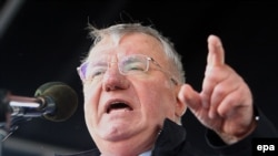 Serbian Radical Party leader Vojislav Seselj at a rally in Novi Sad on April 20.