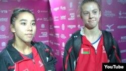 Беларускія гімнасткі родам з ЗША Алаіна Кван (зьлева) і Кэйлі Дыксан