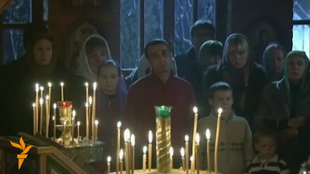 Russian Leaders Attend Orthodox Christmas Services