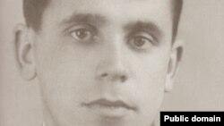 Lenur İbraimov – şair, qırımtatar milliy areketiniñ faal iştirakçisi, siyasiy mahbüstir