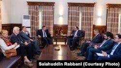 صلاحالدین ربانی وزیر خارجۀ افغانستان حین دیدار با مارکس پوتزل نماینده خاص جرمنی برای افغانستان و پاکستان