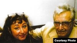 Галина Павловська разом із батьком у день його 80-ліття 10 жовтня 1990 року. Василь Клочурак дожив майже до 90-ліття, помер 12 серпня 2000 року