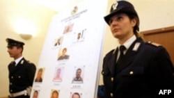 تصاویر اعضای یک باند مافیایی در جنوب ایتالیا که توسط پلیس دستگیر شده اند.