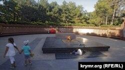 Меморіал «Вічний вогонь» у Сімферополі, архівне фото
