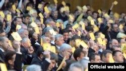 Одноголосне обрання Віктора Ющенка головою Народного Союзу «Наша Україна під час VI звітно-виборчого з'їзду партії, Київ, 29 листопада 2008 р.