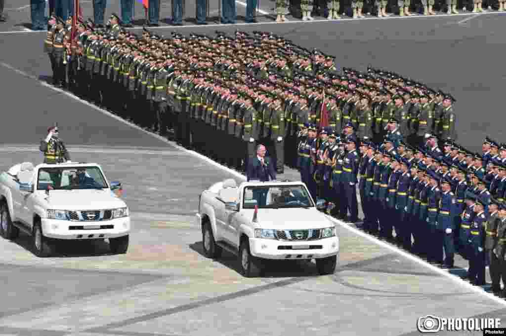 Военный парад в Ереване по случаю 25-й годовщины независимости Армении, 21 сентября 2016 г.
