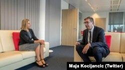 Foto arkiv, Presidenti i Serbisë, Aleksandar Vuçiq dhe Përfaqësuesja e Lartë e BE-së, Federica Mogherini