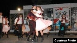 Балкански фестивал на народни песни и игри.