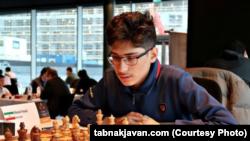 Алиреза Фируџа, најдобриот шахист од Иран, го освои сребрениот медал