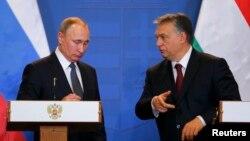 Володимир Путін (л) і Віктор Орбан (п) під час попередньої зустрічі в Будапешті, 2 лютого 2017 року
