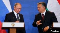 Президент России Владимир Путин (слева) и премьер-министр Венгрии Виктор Орбан на пресс-конференции после переговоров. Будапешт, 2 февраля 2017 года.