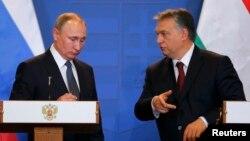 Rus prezidenti Wladimir Putin we Wengriýanyň premýer-ministri Wiktor Orban. 2-nji fewral, 2017 ý.