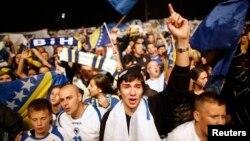 Tifozët e Bosnjës duke festuar në Sarajevë.