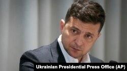 Згідно з документом, Кабінет міністрів має розробити й забезпечити реалізацію заходів з відзначення 29-ї річниці незалежності України з урахуванням вимог щодо запобігання поширенню хвороби COVID-19