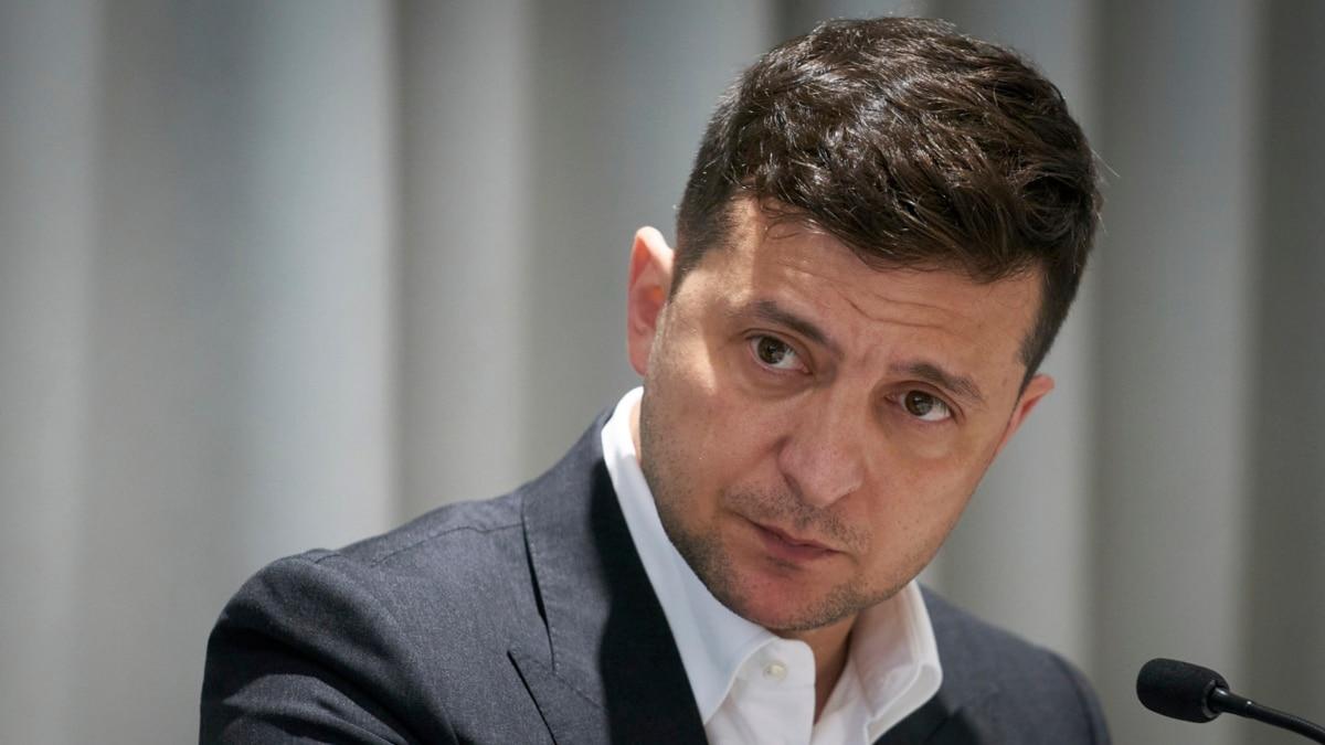 Украинцев, которые не доверяют президенту Зеленскому, больше, чем тех, кто ему доверяет – мировая пресса