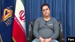 نمایی از فیلمی که تلویزیون جمهوری اسلامی دوشنبه شب از اظهارات کوتاه روحالله زم پخش کرد.