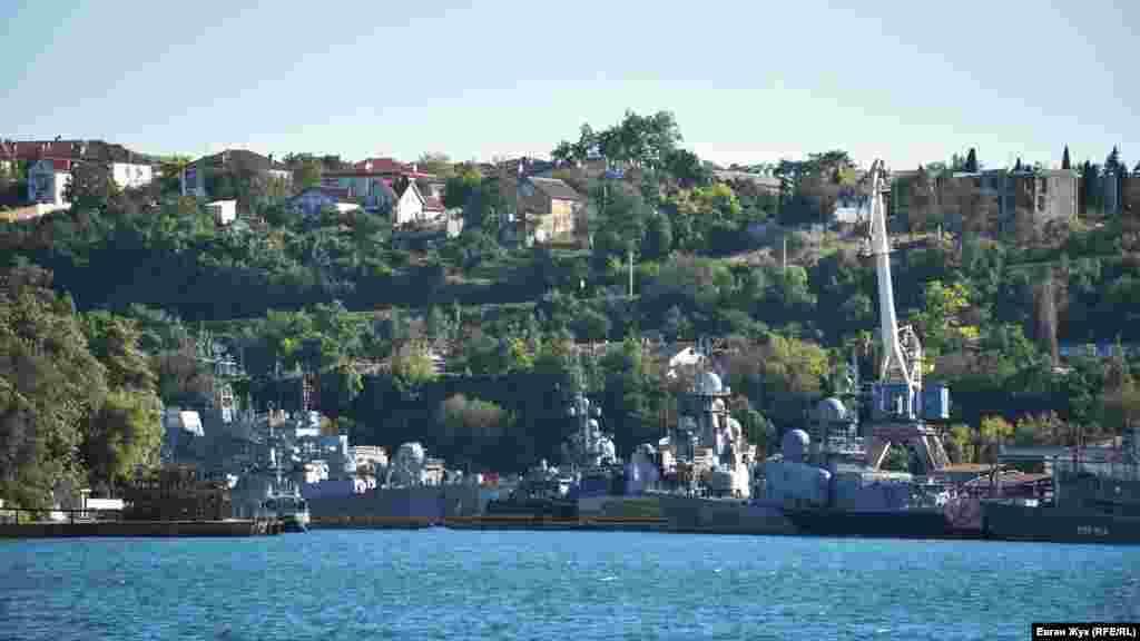 Килен-бухта, в которой находится «13 судоремонтный завод Черноморского флота России»