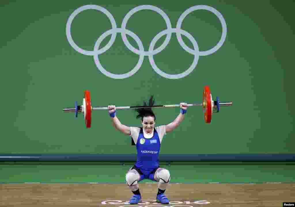 Ауыр атлетикада әйелдер арасында 48 килограмм салмақ дәрежесі бойынша медальға таласқан Маргарита Елисеева бесінші орын алды. Ол өзіне берілген алты мүмкіндіктің үшеуін ғана пайдаланды. Рио-де-Жанейро, 6 тамыз 2016 жыл.