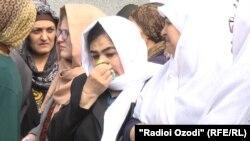 Известного таджикского поэта Мумина Каноата похоронили на кладбище в Лучобе