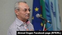 """""""Той бе единственият, който застана с името си, а не през офшорки"""", каза Данаил Папазов за Доган."""