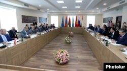 ՀԱՊԿ անդամ երկրների արտգործնախարարների խորհրդի նիստը Երևանում: 4-ը հուլիսի, 2016 թ․