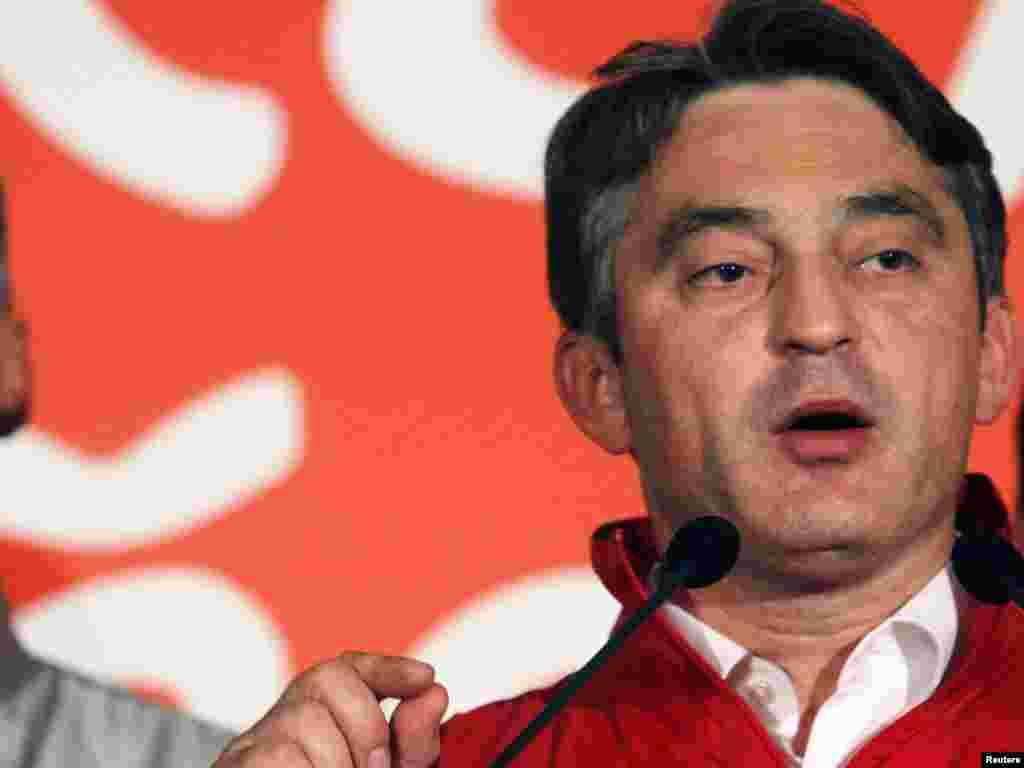 Željko Komšić na konferenciji za novinare u Sarajevu, 04.10.2010. Foto: REUTERS / Dado Ruvić