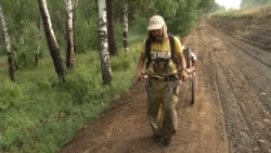 Shaman On 8,000-Kilometer Trek 'To Topple Putin'