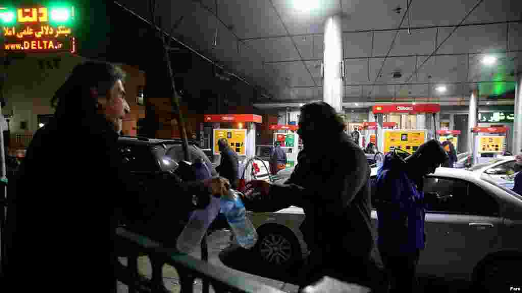 Gasoline purchases in the six hours after the earthquake reached 10 million liters, more than double the average full-day sales even though it was the middle of the night, the national fuel distributor said.