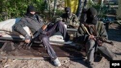 Луганск облысының Красный Лиман қаласындағы ресейшіл сепаратистер.