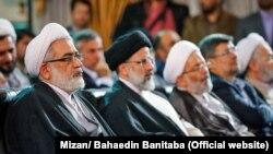 ابراهیم رئیسی (نفر دوم از چپ)