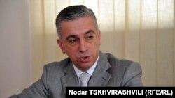 Как заявил директор «9 канала» Каха Бекаури, за работой телекомпании будет следить специальный орган