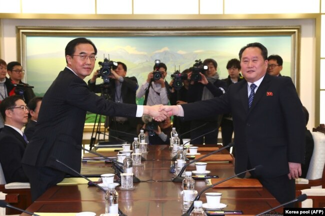 Переговоры делегаций КНДР и Южной Кореи в Пханмунджоме. 9 января 2018 года