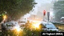 یکی از توفانهای قبل در تهران