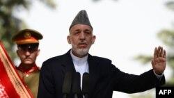 Ауғанстан президенті Хамид Карзай баспасөз жиыны кезінде. Кабул, 7 қазан 2013 жыл.