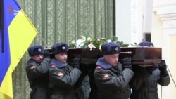 У Києві попрощалися із режисером, письменником і громадським діячем Лесем Танюком (відео)