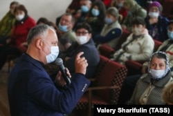 Igor Dodon on the campaign trail in the village of Sircova on October 29.