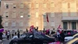 Partia Socialiste feston në sheshin e Tiranës