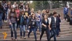 Бахтєєва в «добровільно-примусовому порядку» зібрала студентів на концерт в Донецьку