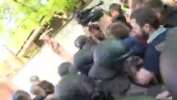 З-під «Інтера» до Льовочкіна – відео конфлікту з місця подій