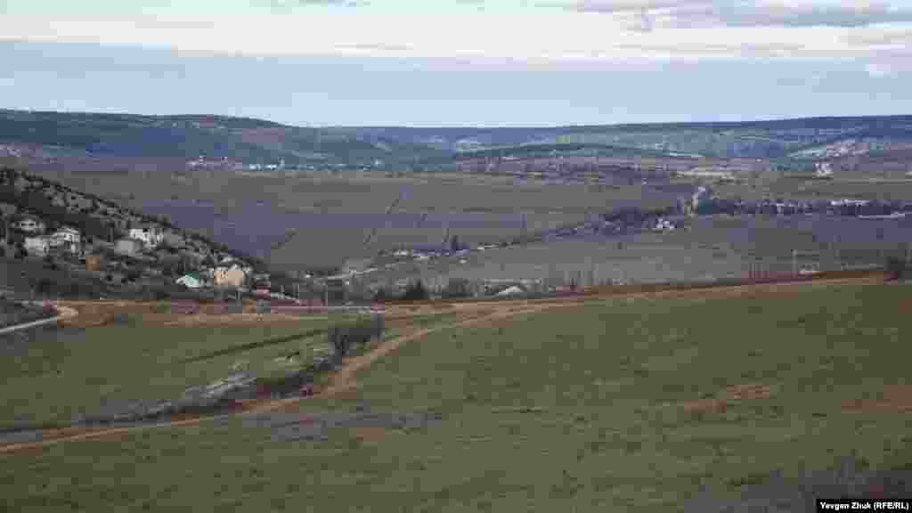 Это земли сельскохозяйственного назначения, раньше здесь были виноградники «Золотой Балки»