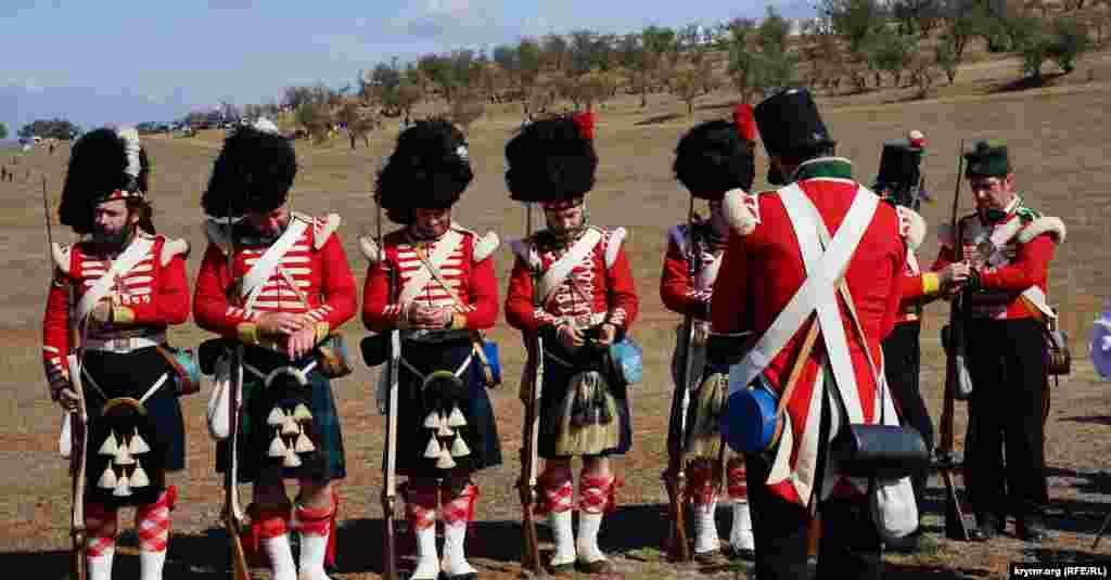 Шотландский полк из участников военно-исторических клубов Севастополя и Москвы