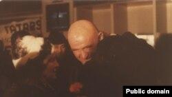Петро і Зінаїда Григоренко зустрічають Айше Сеїтмуратову в аеропорту