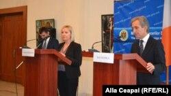 Lucinda Creighton și Iurie Leancă la conferința de presă de la Chișinău