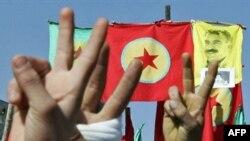 گروه «پ ک ک» در ترکیه هواداران بسیاری دارد که هر سال و همزمان با نوروز در حمایت از آن تظاهرات می کنند.