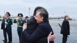 """Некоторые наблюдатели уже окрестили визит Шавката Мирзияева в Таджикистан """"историческим"""". Это первый визит в Душанбе Мирзияева со времени вступления в должность президента Узбекистана после смерти Ислама Каримова, в годы правления которого отношения между соседними государствами были напряженными."""