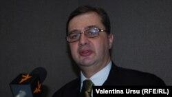 Iulian Chifu în studioul Europei Libere la Chișinău